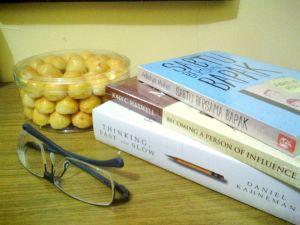 Books and nastar